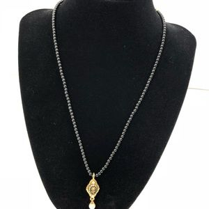 1928 Necklace Black Beads Pendant Gold Tone Pearl